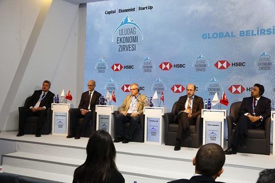 Uludağ Ekonomi Zirvesi'nde Global Belirsizlikte Büyüme Tartışıldı