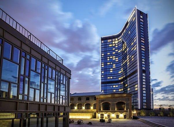 Hilton İstanbul Bomonti'de avantajlı fiyat, tatil, eğlence ve lezzet bir arada.
