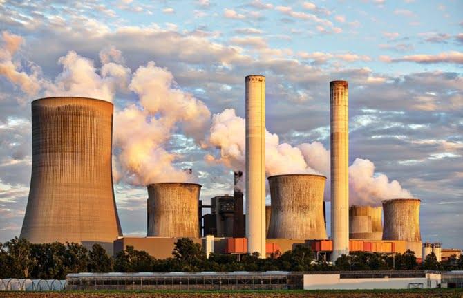 Yenilenebilir enerjideki büyüme durdu.