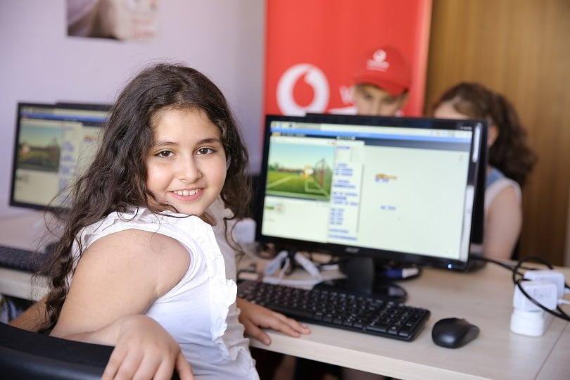 Vodafone'un Geri Dönüştürdüğü e-atıklar, Mardinli Çocuklara Kodlama Sınıfı Oldu.