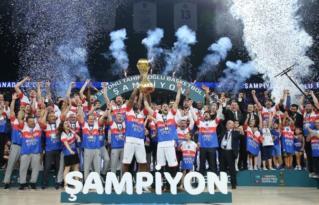 Şampiyon Anadolu Efes!