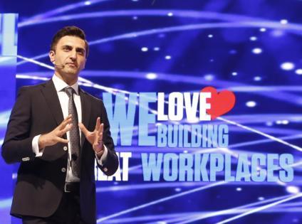 Türkiye'de çalışanların % 33'ü haftada 50 saatten fazla çalışıyor.