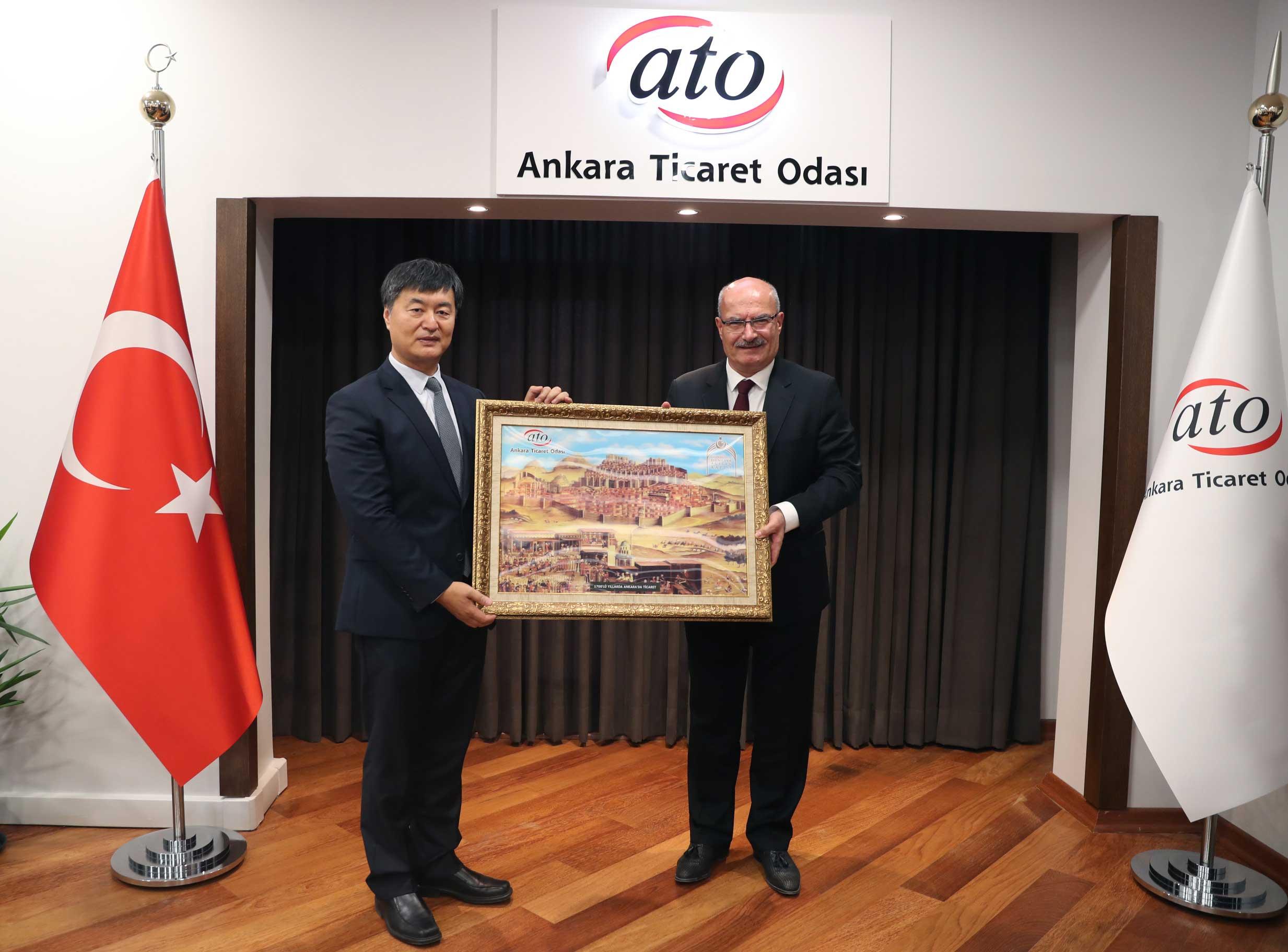 Çin Ekonomik ve Ticaret Müsteşarından ATO Başkanını Ziyaret!