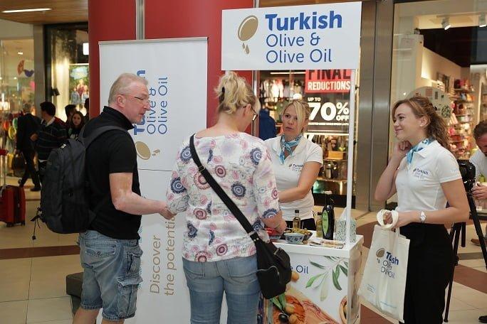 Türk Zeytinyağı ihracatçıları İngiltere'de Brexit sonrasına yatırım yaptı.