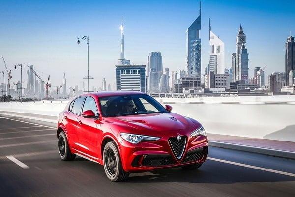 Alfa Romeo Stelvio Quadrifoglio'ya Yılın Spor Otomobili Ödülü!