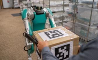 Ford, yeni robotlarla ticari araç müşteri uygulamalarındaki araştırmalarını güçlendirecek.