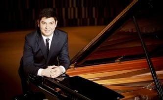Behzod Abduraimov ile Camerata Royal Concertgebouw Orkestrası İş Sanat'ta.