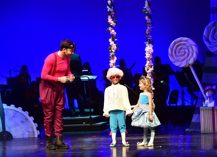 DenizBank Çocuk Operası'nın ikinci eseri 'Wolfie Harikalar Operasında' perdelerini açtı.
