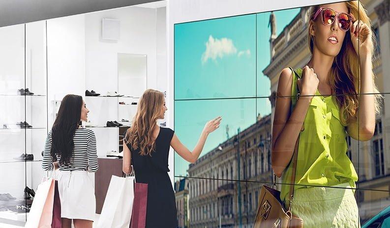 Panasonic LCD duvar ekranları çok ekranlı görüntüler sağlıyor.