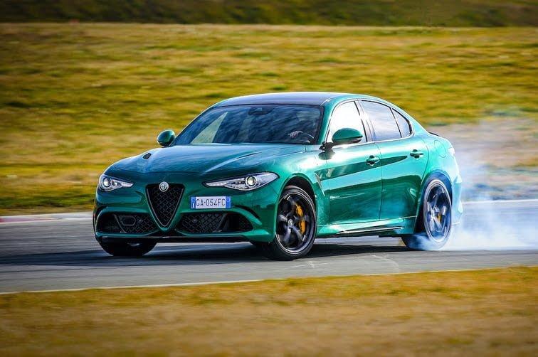Alfa Romeo Giulia ve Stelvio Quadrifoglio Yenilendi!
