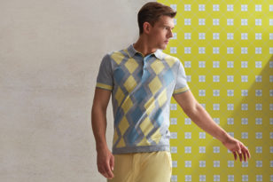 Stil Sahibi Rahatlık: Triko Polo Yaka Tişört ve Şort Kombinleri