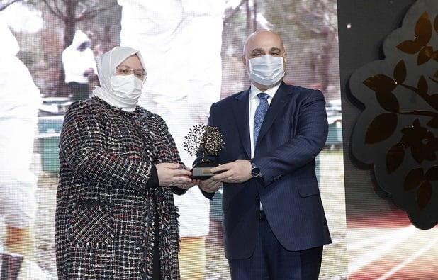 Halkbank'a 'Topluma Değer Katan Marka' ödülü