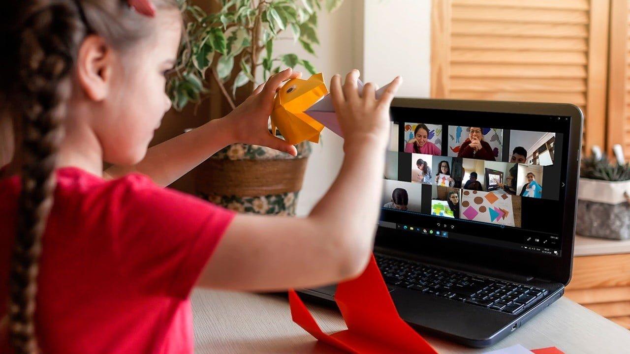 Türk Telekom'dan çocuklara sanat eğitimi
